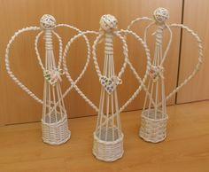 Yule Crafts, Angel Crafts, Christmas Crafts For Gifts, Christmas Angels, Craft Gifts, Christmas Diy, Diy And Crafts, Newspaper Basket, Newspaper Crafts