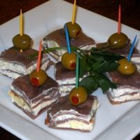 Redneck 5 Star Appetizer ...almost as clever as the bologna cake. Perfct is you are hosting or attending a Redneck Chritsmas party.