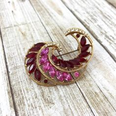50% OFF VALENTINES DAY SALE  http://ift.tt/1QD92fe #vintagejewelry #theoldjunktrunk #etsy #valentines #valentinesgift #valentinesday #vintageshop #etsysale