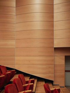 Teatro Puccini – Trysil Interiørtre AS Building Design, Wood Wall, Architects, Modern Design, House Design, Plates, Theater, Licence Plates, Dishes