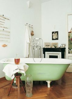 """the-septemberist: """" foxontherun: """" (via For the Home / Penny Dreadful Vintage: Vintage Design: Bathroom Inspiration """" I am in dire need of a bathtub like this. Antique Bathtub, Clawfoot Bathtub, Painted Bathtub, Antique Tiles, Home Design, Diy Design, Design Ideas, Nice Designs, Beautiful Bathrooms"""