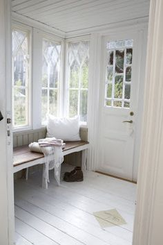 windows, window seat, painted floors, wainscoting on the ceiling All White Room, White Rooms, White Space, White Bedroom, Style At Home, Vibeke Design, Painted Floors, Painted Floorboards, Painted Wood