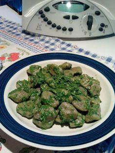 Gnocchi di melanzane Bimby, facili da preparare e buoni da mangiare :) ecco come prepararli in pochi passi con l'aiuto del Bimby; ingredienti: 250 gr di...