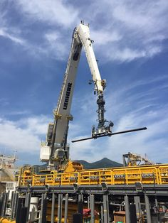 Nice shoot - this Liebherr RL-K 4200 is especially designed for pipe handling operations! Knuckle Boom Crane, Heavy Equipment, Utility Pole, Nice, Robots, Scrap, Yard, Design, Shopping