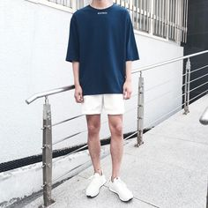 Aesthetic Fashion, Aesthetic Clothes, Minimal Fashion, Retro Fashion, Korean Fashion Men, Mens Fashion, Asian Street Style, Casual Outfits, Fashion Outfits