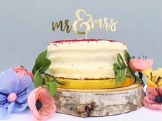 Mr and Mrs Cake gold calligraphy cake topper.