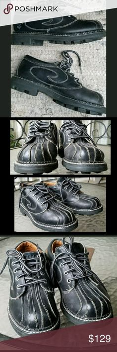 John Fluevog SUPER VOG vtg 90s Angel Oxford shoes ahhsome-ness the definition of.or at least 1 of several ..imho of course   fluevog super vog angel soles  like a really cool bad arse pr of bowling shoes!  I am hesitant 2 part w/these cos i searched long & hard & when I did locate they were a sz 7E.. I usually wear a narrow shoe (an A/AA) w/high arch so needless 2 say didn't fit .I wore a few times & have been in my closet ever since . these are a vintage shoe..circa 1990s. so if u want a…