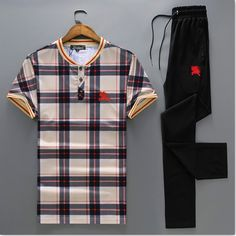Wholesale High Quality Mens Designer Short sleeve Tracksuits for sale Best Casual Shirts, Cool Shirts, Dope Outfits, Sport Outfits, Mens Velour Tracksuit, Free T Shirt Design, Lv Men, Polo Outfit, Track Suit Men