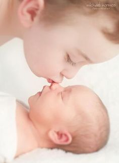 sweetest big brother (newborn photography, newborn photographer nyc) » Family Photography – NYC Photographer Michael Kormos | BLOG. by Mrsmitchell