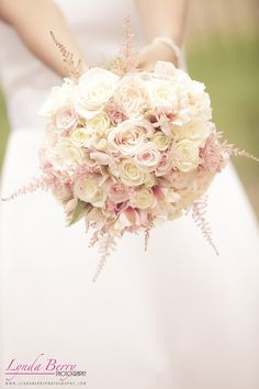 Such a nice color combo for spring   Lynda Berry Photography  #Pink #PinkWedding #SpringWedding #Wedding #Bouquet #Bride #Bridal #WeddingPhotography #Flowers