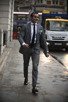 As the shows come to a close, take a look at the most stylish men currently in the capital Best Mens Fashion, Suit Fashion, Most Stylish Men, Well Dressed Men, Suit And Tie, Gentleman Style, Mens Suits, Shirt Style, Menswear