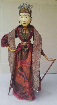 Isn't she beautiful? Antique Wayang Gambyong $500 USD from Bali Puppet Factory