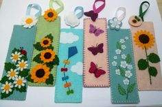 Felt daisies bookmark flower bookmark gift for by DusiCrafts
