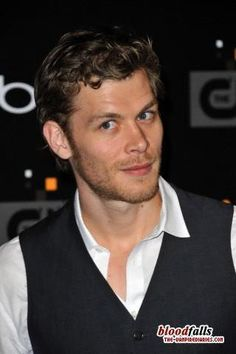 <3 Joseph Morgan, nothing better then a naughty vamp