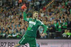 """Handball, Bundesliga, 21. Spieltag: Der SC DHfK Leipzig unterlag in einem Crunchtime-Krimi dem SC Magdeburg mit 22:23 (8:11) Toren. Vier Sekunden vor Schluss erzielte der """"Man of the Match"""", Michael Damgaard, den entscheidenden Treffer."""