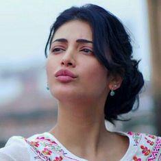 Very cute videos of Shruti Hassan. Cute Celebrities, Indian Celebrities, Bollywood Celebrities, Beautiful Girl Indian, Beautiful Girl Image, Gorgeous Women, Bollywood Girls, Bollywood Actress Hot, Tamil Actress