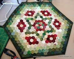 Quiltville's Quips & Snips!!: Meet Kerstin! I like the way this was quilted, I need to remember it!