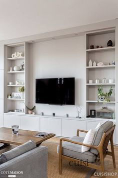 miniature 140 renovated on the Ile de la Jatte in Neuilly-sur-Seine,, My Concept Habitation – artisan Built In Wall Units, Built In Shelves Living Room, Living Room Wall Units, Home Living Room, Living Room Designs, Living Room Decor, Tv Wall Shelves, Built In Tv Cabinet, Tv Shelving