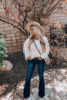 Shop Jess Lea Boutique Fancie Fringe Sweater #jesslea #jessleaboutique #jessleastyle #casualstyle #momstyle #casualoutfit #easyoutfit #ootd #boutique #boutiquestyle #fringesweater #fallstyle #falloutfitinspo