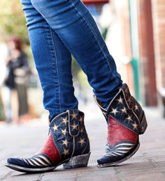 New Western Boats Outfit Summer Old Gringo Ideas Short Cowboy Boots, Short Boots, Cowgirl Boots, Western Boots, Country Boots, Cowgirl Chic, Cowgirl Style, Boho Summer Outfits, Casual Winter Outfits