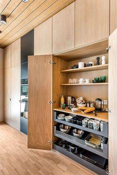 Modern Home Decor Kitchen Kitchen Pantry Design, Kitchen Cupboards, Modern Kitchen Design, Home Decor Kitchen, Kitchen Living, Interior Design Kitchen, Kitchen And Bath, Home Kitchens, Hidden Kitchen