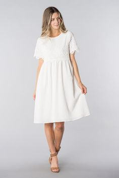 New Dress Lace White 23 Ideas Modest White Dress, White Dress With Sleeves, White Midi Dress, Modest Dresses, Dance Dresses, Dresses With Sleeves, Dress Lace, Trendy Dresses, Short Sleeve Dresses