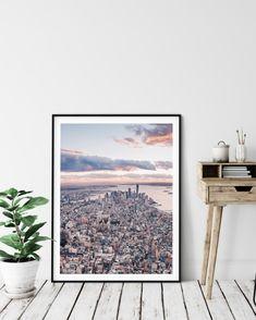 Aufnahmeort: Lower Manhattan, New York 2018 Manhattan New York, Lower Manhattan, Art Prints For Sale, Fine Art Prints, New York City, Magnetic Frames, Vintage New York, Rockefeller Center, Thailand Travel