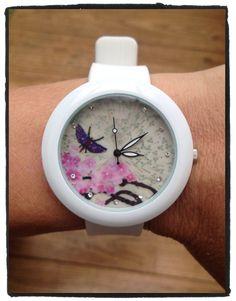 #vlinder #horloge verkrijgbaar  met verschillende vlinder opdruk. Nu voor maar €9,95 verkrijgbaar bij stiksels.com