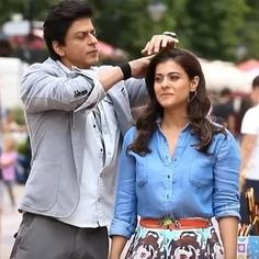 Shahrukh Khan And Kajol, Indian Photoshoot, Happily Ever After, In A Heartbeat, Pakistani, Bollywood, Ruffle Blouse, Poses, Actresses