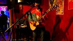 la clave  by Jano Arias en la Casa Latina (Bordeaux 16-03-2014) JANO ARIAS en concert en solo à la CASA LATINA,  JANO ARIAS vit à Bordeaux, son parcours musical est un grand voyage qui l'amène du mexique, il parcours tous les thèmes traditionnels latino, avec sa voix chaleureuse.Accompagnés par sa guitare mais aussi par divers instruments et aussi toute une préparation qui donne à ses concerts de la profondeur.