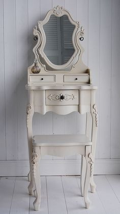 Little Dressing Table For A Little Princess