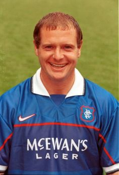 Paul Gascoigne Glasgow Rangers one very over rated stupid man Rangers Football, Rangers Fc, Football Soccer, Football Shirts, Old Firm, Stupid Guys, Association Football, Sports Stars, Chelsea Fc