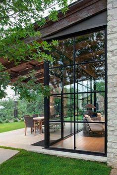 30 Perfect Screened Porch Design and Decorating Ideas For 2019 28 - Craft Home Ideas Dream Home Design, Home Interior Design, Exterior Design, Wall Exterior, Exterior Siding, Vintage Interior Design, Exterior Remodel, Interior Garden, Contemporary Interior Design