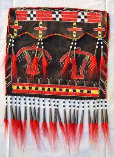 Contemporary Makers: Great Lakes Quilled Bag by Eli Motsay Native American Warrior, Native American Women, Native American Beading, Native American Fashion, American Indians, Native Indian, Native Art, Pioneer Crafts, Woodland Indians