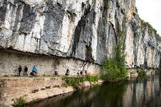 Wandelen en fietsen op het jaagpad langs de Lot - Frankrijk Puur, reistips & recepten Bordeaux, The Good Place, Road Trip, Places To Visit, Wanderlust, Hiking, Camping, France, Vacation