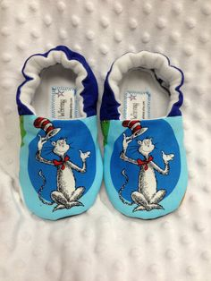 Soft Sole Shoes- Dr Seuss. The Cat in the Hat ---Other characters available  ---see listing - 14.00 e5914b7db