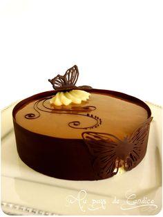 Bavarois chocolat poires caramel beurre salé Recette sur le blog: http://paysdecandice.canalblog.com/archives/2014/09/30/30663061.html