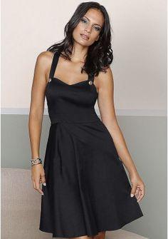 Платье - http://www.quelle.ru/Women_fashion/Women_dresses/Short_dresses/Plate__r1215499_m289398.html?anid=pinterest&utm_source=pinterest_board&utm_medium=smm_jami&utm_campaign=board1&utm_term=pin7_14032014 Красивая модель без излишеств: расклешенный подол, подчеркнутое декольте, широкие бретели на пуговицах. #quelle #dress #simple #cute #elegant #womanly