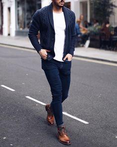 Jeans azul marino, buzo de lana gris oscuro, camiseta blanca yyy por ultimo unos buenos zapatos marrones HERMOSO!!!