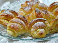 rogaliki+z+serem. Polish Desserts, Polish Recipes, Polish Food, Russian Desserts, Russian Recipes, Bread Dough Recipe, Sweet Little Things, Bread Bun, No Bake Cake