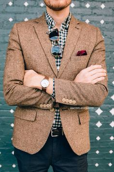 Blazer: Topman - Shirt: J. Crew - Pants: Chino Grigios - Bonobos (c/o) Shoes: Marconi -JackThreads - Sunglasses: Ray Ban Clubmaster in Tortoise - Watch: Timex Easy Reader - Target - with ASOS watch strapPocket Square - The Tie Bar Casual Chique, Men Casual, Fashion Moda, Mens Fashion, Fashion Menswear, Gingham Shirt, Sharp Dressed Man, Gentleman Style, Sport Coat