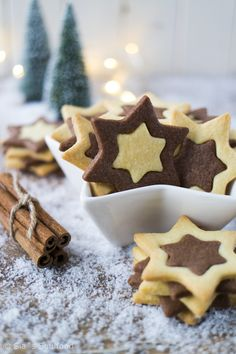 Black and White Pastry Stars by Sia& Soul . - Black and white pastry Stars by Sia´s Soulfood Effektive Bilder, die wir über breakfast Pastry a - Star Cookies, No Bake Cookies, Cookies Et Biscuits, Christmas Baking, Christmas Cookies, Gourmet Recipes, Cookie Recipes, Bolacha Cookies, Christmas Is Coming