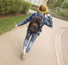 dandelions// flower crown// oots / outfit // summer // kånken