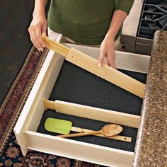 Organization Hacks Spring loaded drawer dividers customize drawers for effortless organization. The compulsively organised will love it.Spring loaded drawer dividers customize drawers for effortless organization. The compulsively organised will love it. Kitchen Organization, Organization Hacks, Kitchen Storage, Kitchen Organizers, Utensil Drawer Organization, Kitchen Drawer Dividers, Organizing Drawers, Silverware Storage, Organizing Tools