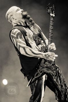 Slayer's Kerry King creating some mayhem on stage. Kerry has a Rockin Beard!!