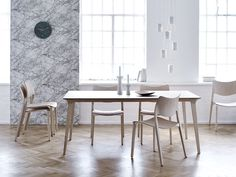 STUA is proud to have a new partner in London: Heal's, who have been selling good design since 1810. This image shows the way they see our Lau table and Laclasica chair.
