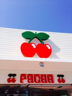 Pacha ibiza Ibiza Nightclub, Places To Travel, Places To Go, Ibiza Party, Magic Island, Ibiza Spain, Wallpaper Pictures, Bucket Lists, I Am Happy