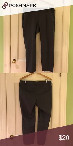 "Gray Old Navy Pixie Pants These are my favorite ""work"" pants. Comfortable and go with everything, this pair is just too small. 95% cotton, 5% spandex Old Navy Pants Ankle & Cropped"