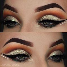 WEBSTA @julsxbeauty ▪️ABH PRISM▪️ Brows: @anastasiabeverlyhills Dipbrow Pomade chocolate  Eyes: @anastasiabeverlyhills @norvina PRISM palette: lucid, sphere, saturn, throne