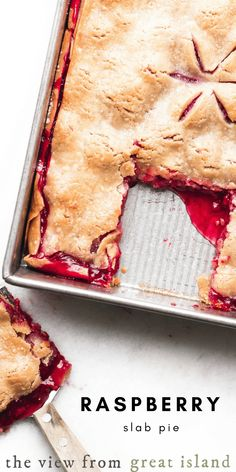 My Easy Raspberry Slab Pie is a luxe dessert for berry season ~ I've used refrigerated pie crust to make it quick and easy, just add tons o. Rasberry Desserts, Köstliche Desserts, Delicious Desserts, Dessert Recipes, Rasberry Pie, Pie Crust Recipes, Pastry Recipes, Baking Recipes, Pie Crusts